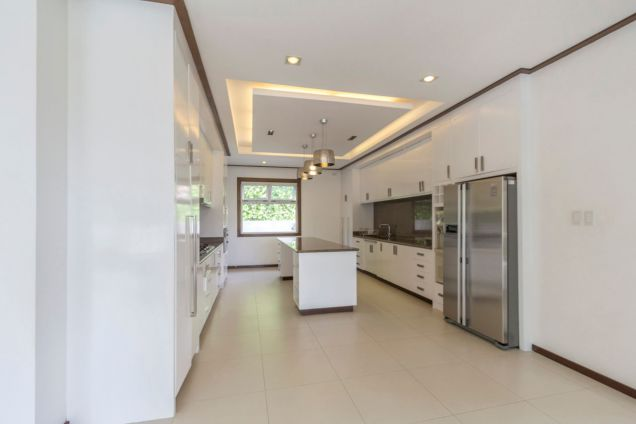 Modern 4 Bedroom House for Rent in Maria Luisa Park - 5