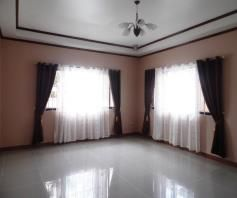 Furnished Bungalow House & Lot for rent Along Friendship Highway in Angeles City - 9