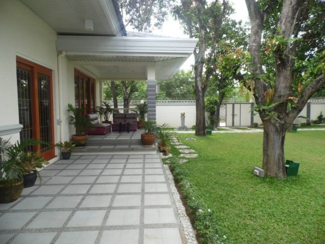 Big yard with 4BR for rent in Angeles City - 55K - 1