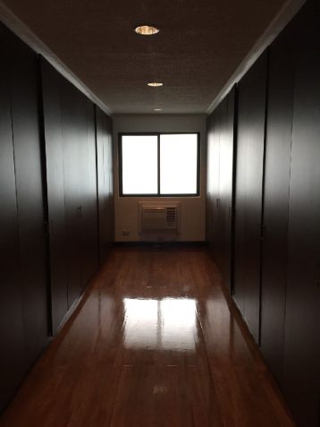 Renovated Makati House for Rent 270K - 4