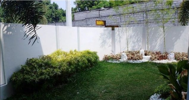 House and lot with 4 bedrooms & swimming pool in Angeles FOR RENT @130K - 6