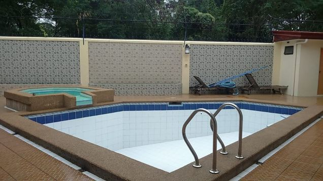 4BR with Private pool for rent in Angeles City - 65K - 8