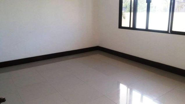 Fully Furnished 3 Bedroom House near SM Clark for rent - 45K - 2