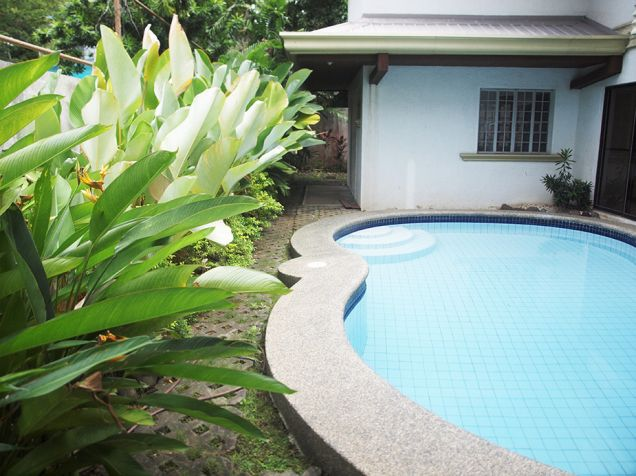 Ayala Alabang, 4 bedrooms with den and pool house for rent - 4