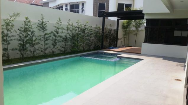 Two Storey House for rent with 4 bedrooms and pool in Hensonville - 8
