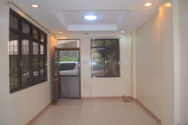 Lahug townhouse with 3 bedrooms unfurnished inside gemsville P27K - 3