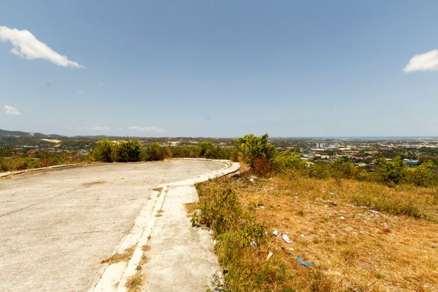1000 SqM Hilltop Lot for Sale Overlooking Cebu City - 0