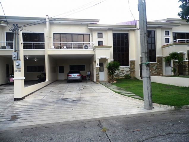 FOUR BedroomTownhouse For Rent In Cut-Cut Angeles City walking Distance in International Schools - 0