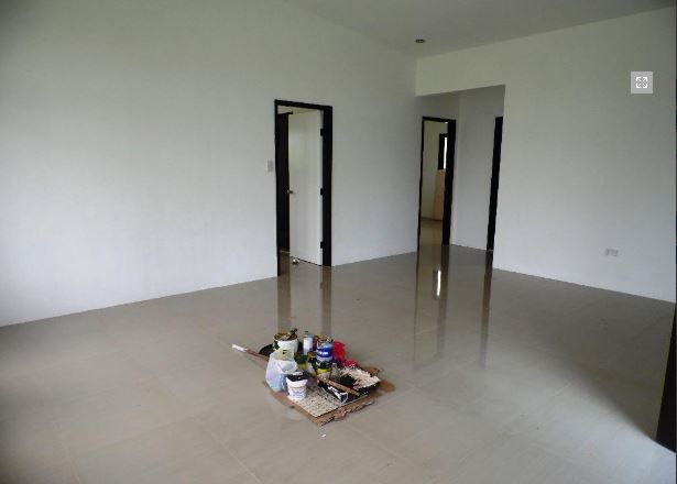 This Bungalow House with Spacious Living room at P 25,000 - 8