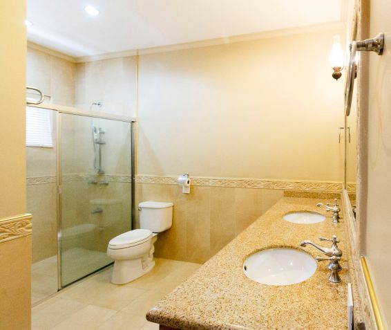4 Bedroom House with Swimming Pool for Rent in Banilad - 4
