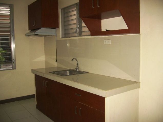 Apartment, 4 Bedrooms Semi Furnished for Rent in Mabolo, Cebu City - 9
