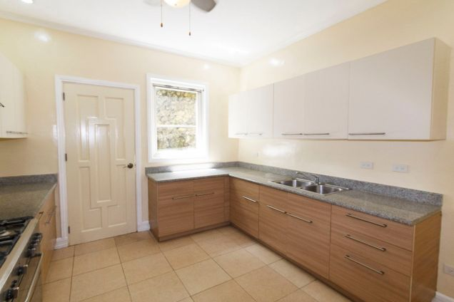 3 Bedroom House for Rent in Maria Luisa Park - 7