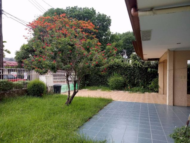 Bungalow Type with 4 Bedroom House and Lot for Rent in Cutcut Angeles City - 3