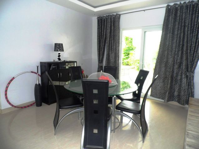 Four Bedroom House & Lot In Hensonville Angeles City Near To Clark Free Port Zone - 1