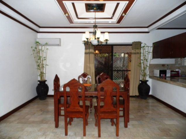 Bungalow House w/ Spacious yard for rent in Angeles City, Pampanga @P50K - 8