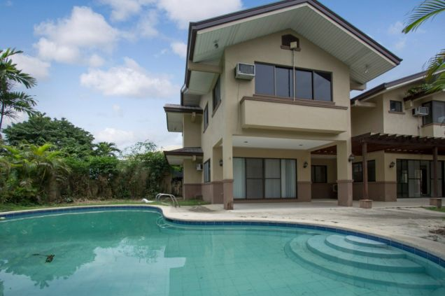 Unfurnished 4 Bedroom House for Rent in Maria Luisa Park - 0
