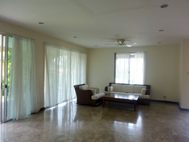 4 Bedroom House with Swimming Pool for Rent in North Town Cebu City - 4