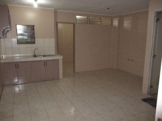1 Bedroom For Rent In Dapitan Sampaloc Manila Near Ust Lacson Ed Co