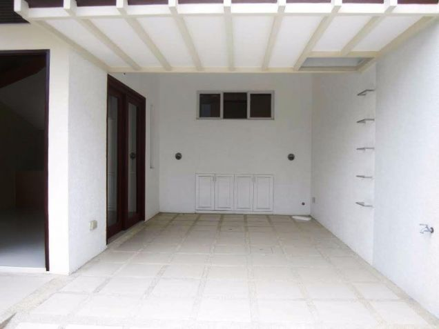4 Bedroom 3 storey town house and lot for Rent in angeles city - 5