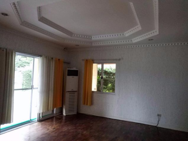 Bungalow House for rent with 4 bedrooms in Friendship - 1