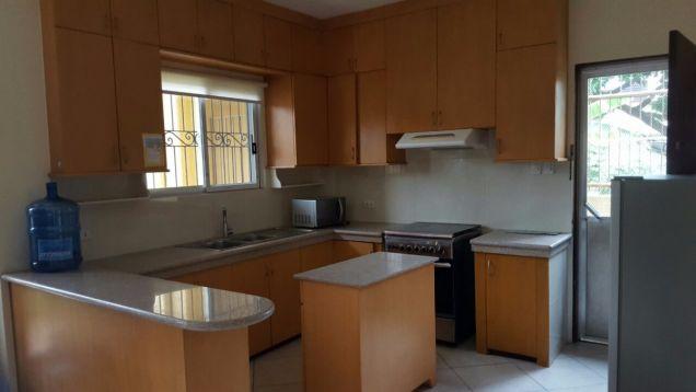 Semi furnished 4 bedroom house in Banilad - 4