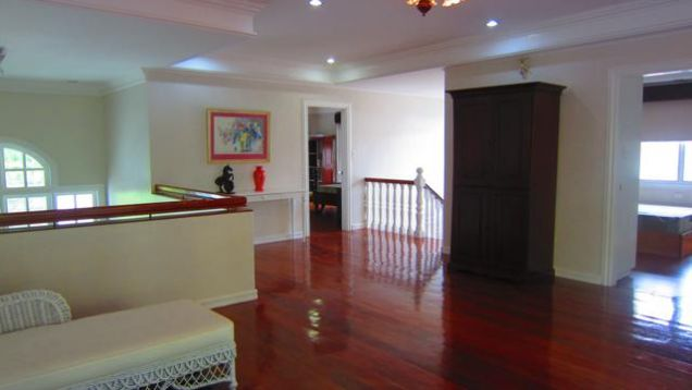 House with swimming pool for Rent in Northtown Homes Mandaue City, Cebu - 8