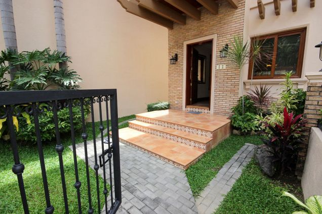4 Bedroom House for Rent with Swimming Pool in Banilad - 2