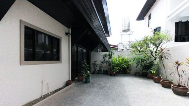 3 Bedroom Nice House for Rent at San Lorenzo Village Makati(All Direct Listings) - 2