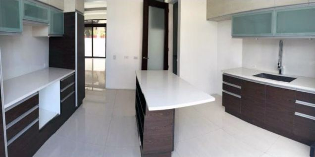 Spacious 4 Bedroom House for Rent in McKinley Hills Village(All Direct Listings) - 3