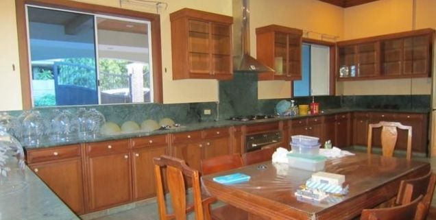 For Rent Five Bedrooms House with Pool in Maria Luisa Estate Park - 1