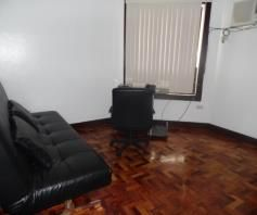 Bungalow House & Lot W/LAP POOL For Rent In Hensonville Angeles City - 4