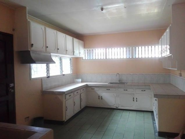 3BR Bungalow house and Lot for Rent in Angeles City - P30K - 2