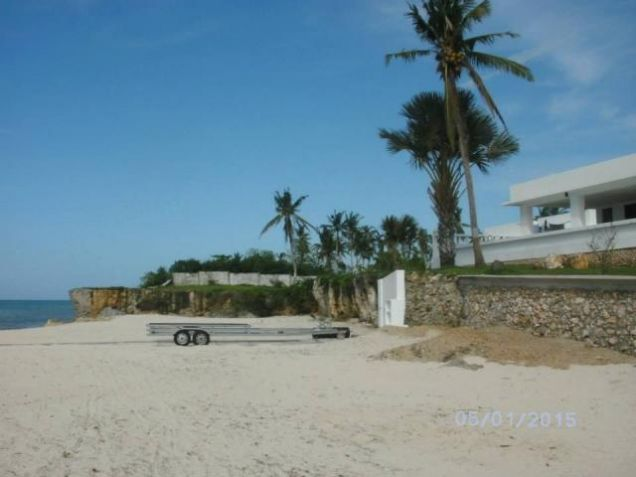 For Sale Spacious Beach House with Pool in Medellin Cebu - 7