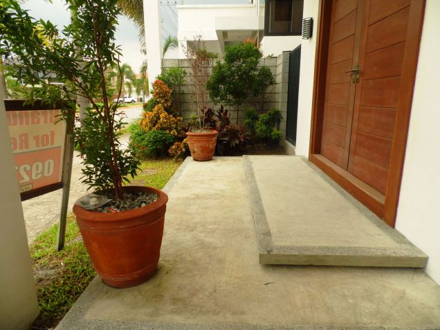 5 Bedroom Furnished House & Lot For Rent In Hensonville,Angeles City .. - 4