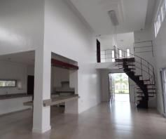 4 Bedroom House and lot with Pool for Rent in Angeles City - 1