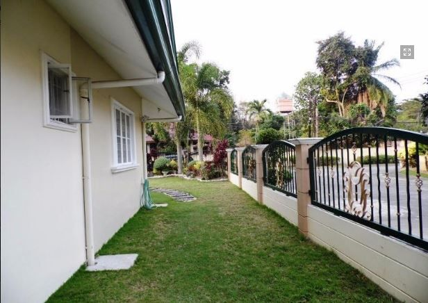 Bungalow House with Spacious yard for rent in Angeles City, Pampanga - 9