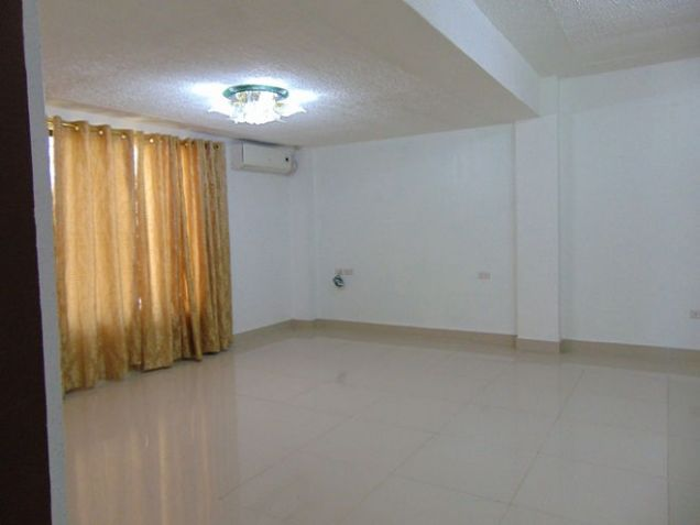 House for Rent 5 Bedrooms in Mabolo, Cebu City - 8