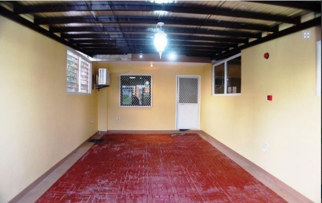 2 bedrooms townhouse for rent near in friendship - P25K - 4