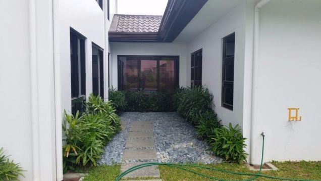 3 Bedroom Elegant Spacious House and Lot with pool  for Rent in Angeles City - 5