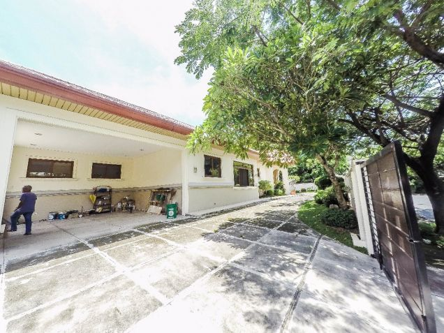 For Rent: Newly renovated 3 Bedroom Bungalow house in Dasmariñas Village, Makati - 1