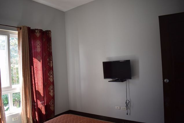 3 Bedrooms Furnished Townhouse 15 Minutes Walk To Ayala Center - 1