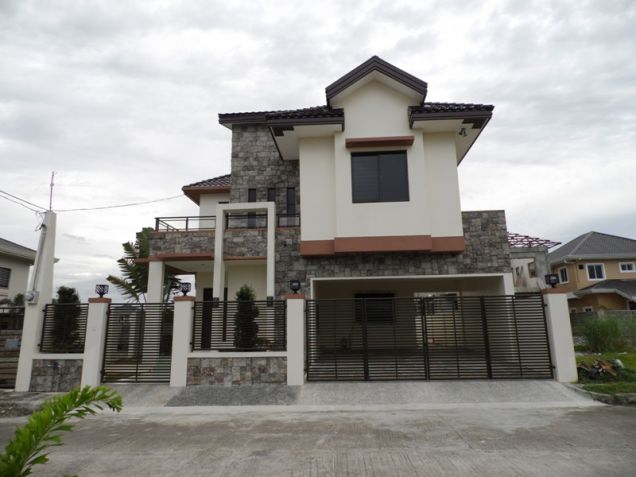 4 Bedroom Semi-furnished House and Lot for Rent in Angeles City - 0