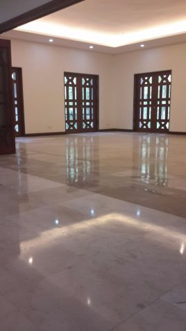 Makati house for lease - 1
