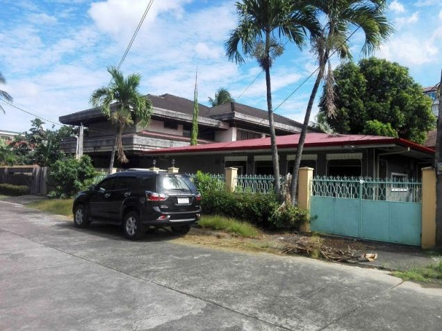 Bungalow House And Lot For Rent In Angeles City Walking Distance In Holy Angel University,Nepo Mall,New Point - 0
