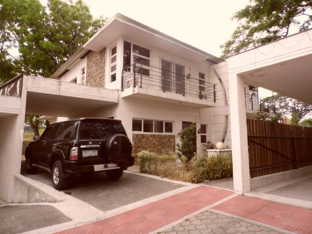 House In Clark Pampanga For Rent With 3 Bedrooms - 0