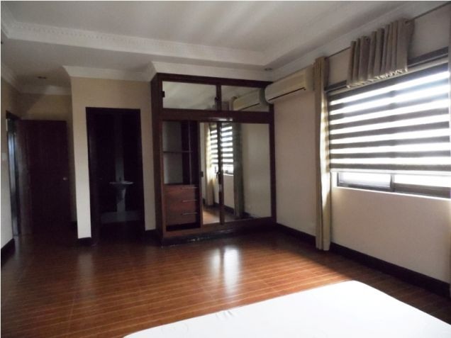 Modern House with 4 Bedroom for Rent in Hensonville Angeles City - 0