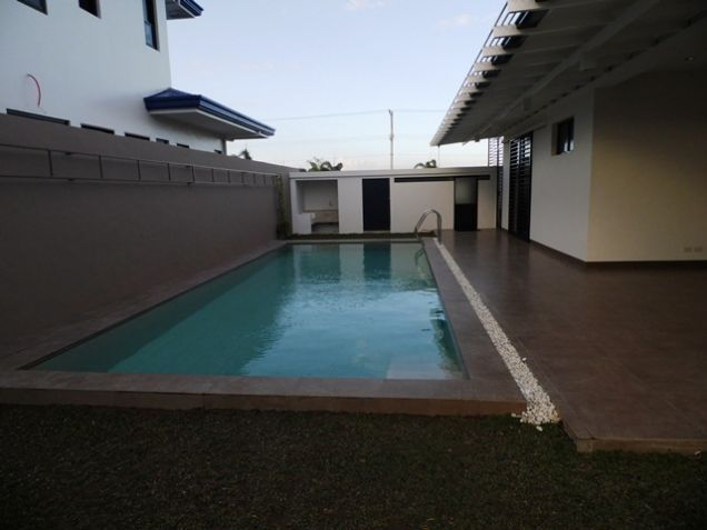 Spacious Bungalow House with Swimming Pool For rent -90K - 1