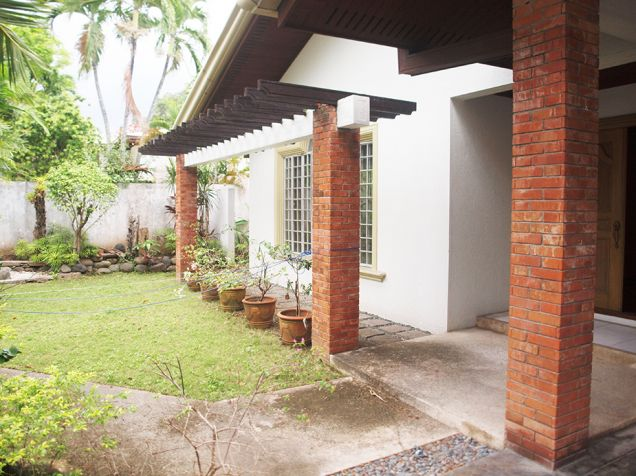 Ayala Alabang, 4 bedrooms with den and pool house for rent - 6