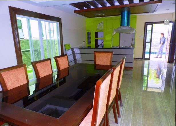 Modern House with swimming pool for sale in Hensonville - 80K - 2