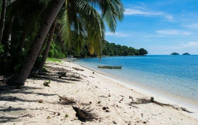 El Nido Palawan White Sand Beach Front Lot - 1